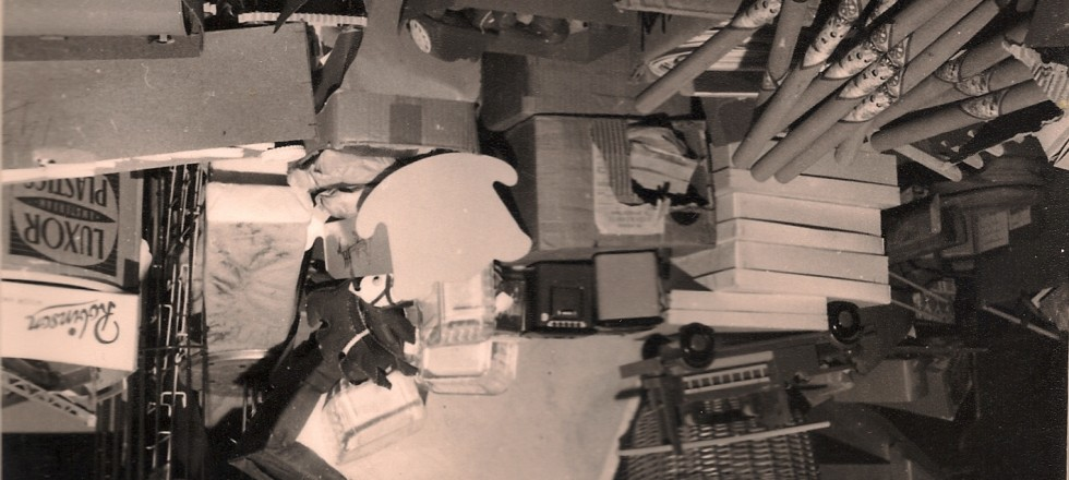 Haitsma winkel 1957, voorraad op de vliering
